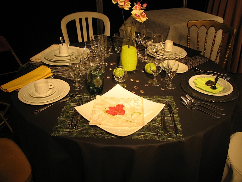 table rabattable cuisine paris location table mariage. Black Bedroom Furniture Sets. Home Design Ideas
